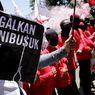 Tolak RUU Cipta Kerja, Ribuan Buruh hingga Mahasiswa Kepung DPR
