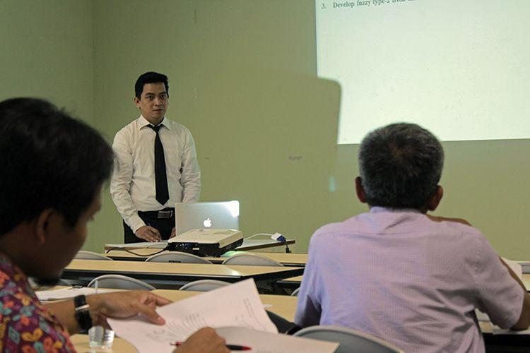 Pascasarjana Terapan Politeknik Elektronika Negeri Surabaya (PENS) menggelar Seminar Proposal, Progres Thesis satu dan dua, serta Thesis Akhir selama tiga hari mulai 15-17 Januari 2019.
