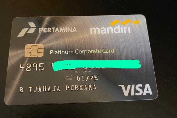 Tampilan kartu kredit milik Komisaris Utama PT Pertamina (Persero) Basuki Tjahaja Purnama atau Ahok yang didapat sebagai fasilitas dari Pertamina.