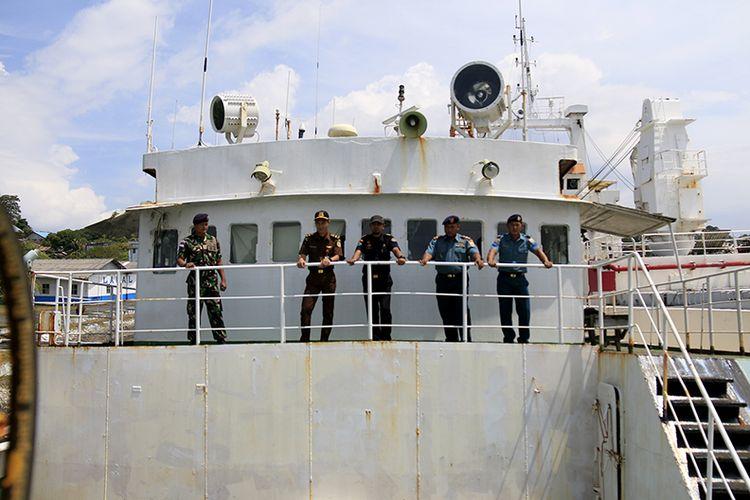 Andrey Dolgov, Kapal asing buronan Interpol berbendera Togo, Afrika yang berhasil ditangkap oleh TNI AL Lanal Sabang pada Sabtu (07/04/2018) lalu masih berada di pelabuhan pangkalan TNI AL Lanal Sabang.  Bedasarkan Putusan Pengadilan Negeri Sabang perkara tindak pidana perikanan nomor 17/Pid.Sus/2018  Barang bukti kapal FV STS-50 , Peralatan GPS, kemudi, alat komunikasi, alat navigasi, serta berbagai alat tangkap ikan dirampas untuk negara. sementara Nahkoda Matveev Aleksander warga Negara Rusia dijatuhkan hukuman berupa denda Rp 200 juta Subsider empat bulan kurungan penjara.