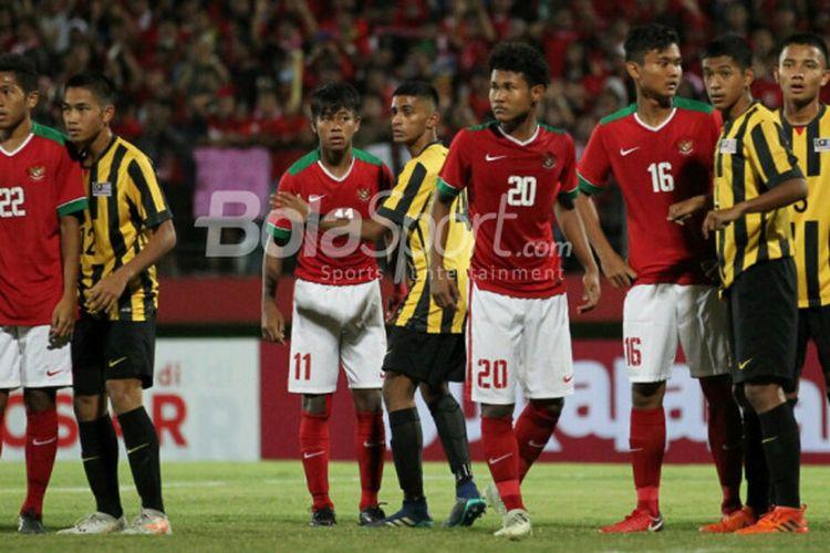 Pertandingan semifinal Piala AFF U-16 2018 antara Indonesia dan Malaysia yang digelar di Stadion Sidoarjo, Kamis (9/8/2018).