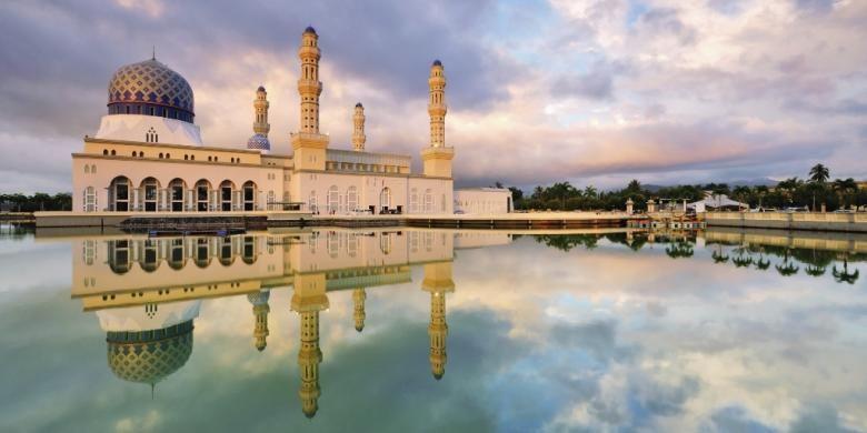 Masjid di Kota Kinabalu, Malaysia