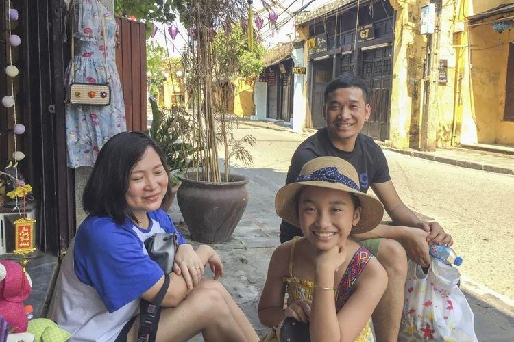 Wisatawan domestik di Vietnam berkunjung ke Ancient Town, Hoi An.