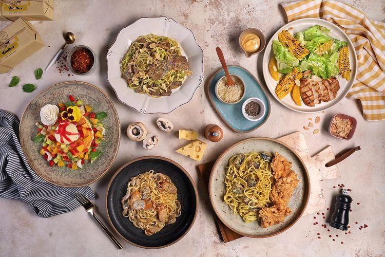 Searah jarum jam: Tropical Treasure Pancake, Ox Tongue and Green Chili Spaghetti, Cheese Tossed Salad, Green Peas and Fried Chicken Spaghetti, Cheese Wheel and Sausage Spaghetti