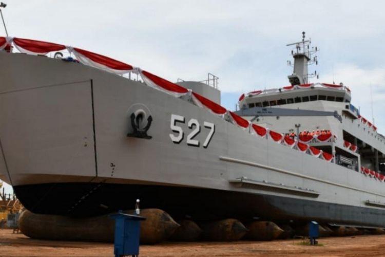 KRI Teluk Wondama-527 yang baru saja diluncurkan kini resmi bergabung dengan jajaran alutsista TNI AL.