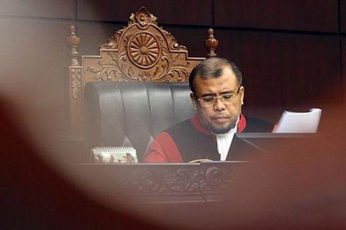 Komentari Polemik RUU Pilkada, Patrialis Akbar Dilaporkan ke Dewan Etik MK