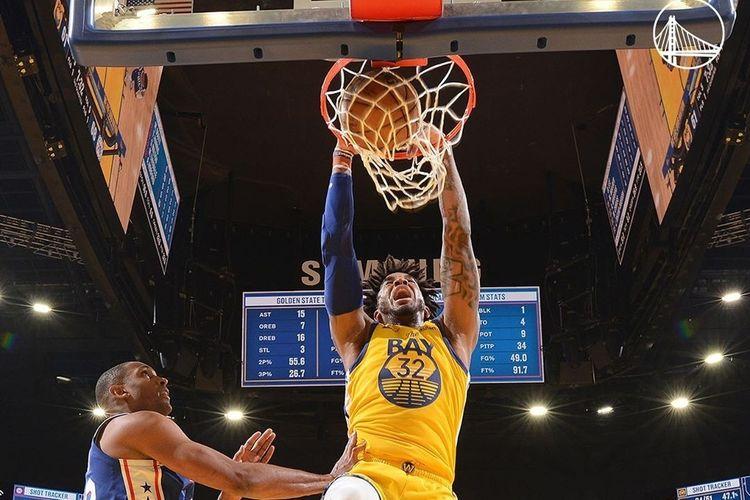 Aksi slam dunk Marquese Chriss dalam pertandingan lanjutan kompetisi basket NBA yang mempertemukan Golden State Warriors vs Philadelphia 76ers, di Chase Center, San Francisco, California, Sabtu (7/3/2020) atau Minggu WIB.