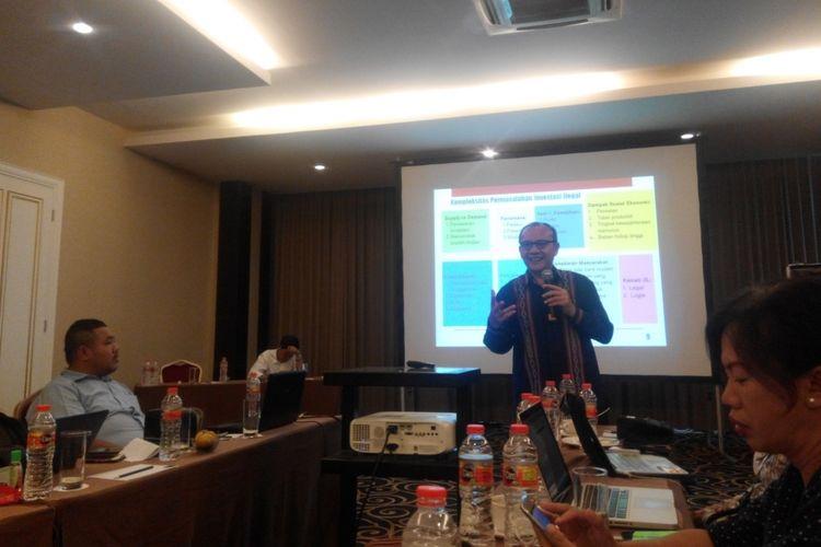 Ketua Satgas Waspada Investasi Tongam L Tobing pada acara pelatihan wartawan Otoritas Jasa Keuangan (OJK), Sabtu (9/9/2017).
