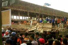 Kompleks Bangunan Ruko Runtuh, 30 Pekerja Terjepit