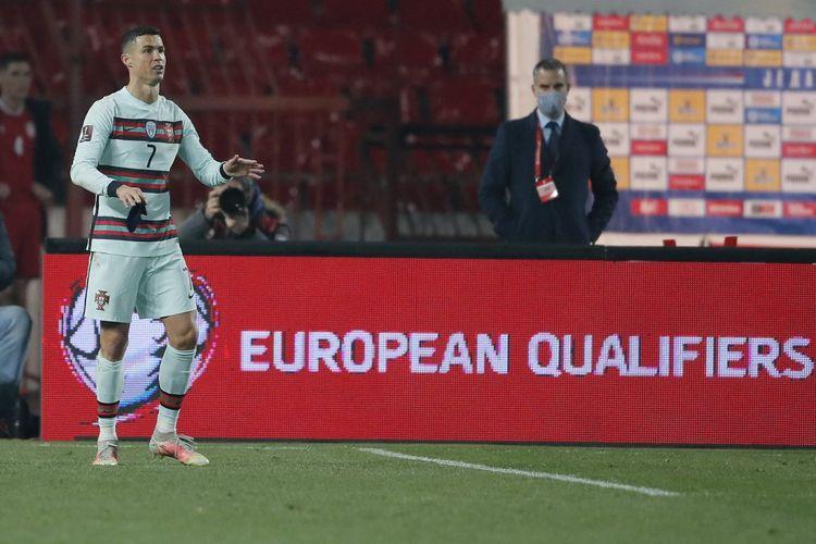 Ekspresi Cristiano Ronaldo dalam laga Grup A Kualifikasi Piala Dunia Zona Eropa antara Serbia dan Portugal di Stadion Rajko Mitic, 27 Maret 2021.