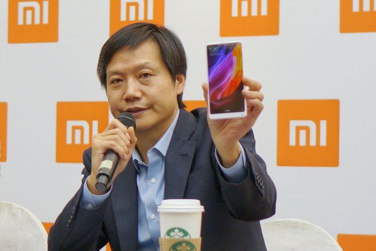 CEO Xiaomi, Lei Jun mengenalkan Xiaomi Redmi 5A di hadapan jurnalis di Jakarta, Rabu (20/12/2017).
