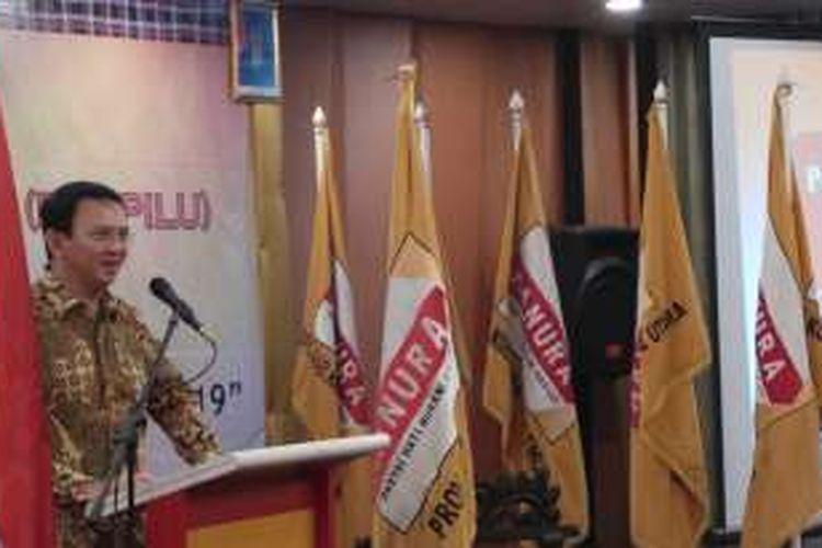 Calon gubernur DKI Jakarta Basuki Tjahaja Purnama atau Ahok saat menyampaikan sambutan dalam Rakerda Hanura DKI Jakarta, di Hotel Sunlake, Jakarta Utara, Minggu (11/12/2016).