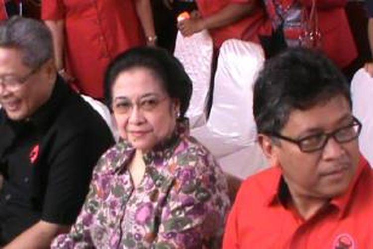 Megawati dan Hasto Kristyanto di Solo, Jumat (13/2/2015).