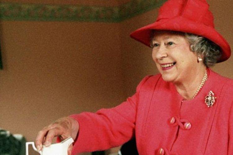 Tanggal 9 September 2015, Ratu Elizabeth II dari Kerajaan Inggris resmi menjadi pemegang tahta terlama dalam sejarah monarki Inggris.