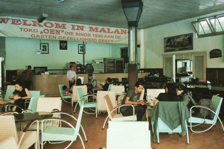 Salah satu restaurant peninggalan kolonial, dengan spesialisasi Es Krim jaman dulu yang rasanya tak pernah berubah.