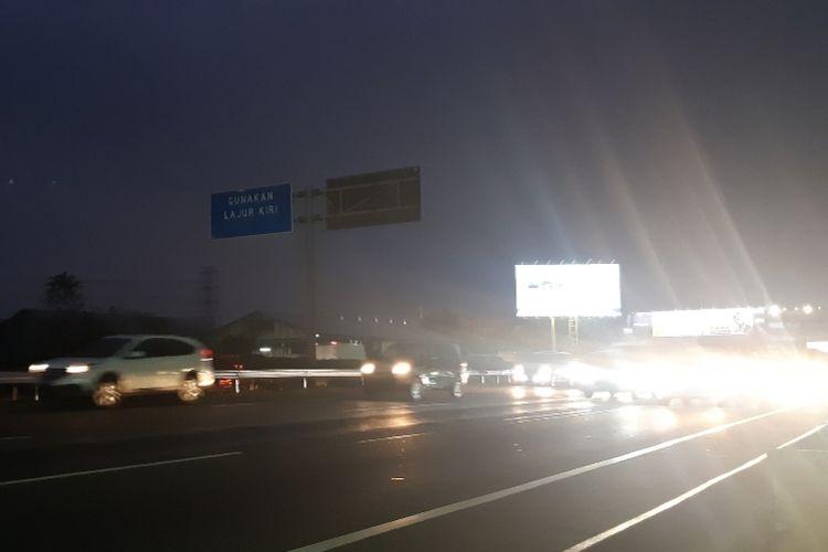 Situasi jalan kembali lancar pasca kecelakaan beruntun di KM 13 Jalan Tol Jakarta-Tangerang pada Jumat (20/9/2019) petang