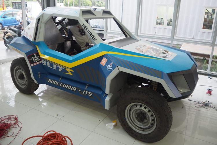 BLITS, mobil listrik karya kolaborasi antara Universitas Budi Luhur dan Institut 10 November Surabaya.