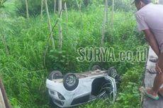 Mobil Sedan Tabrak Jembatan dan Masuk Jurang, Satu Tewas