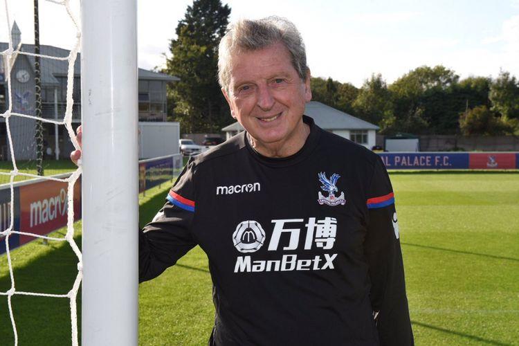 Roy Hodgson resmi melatih Crystal Palace.