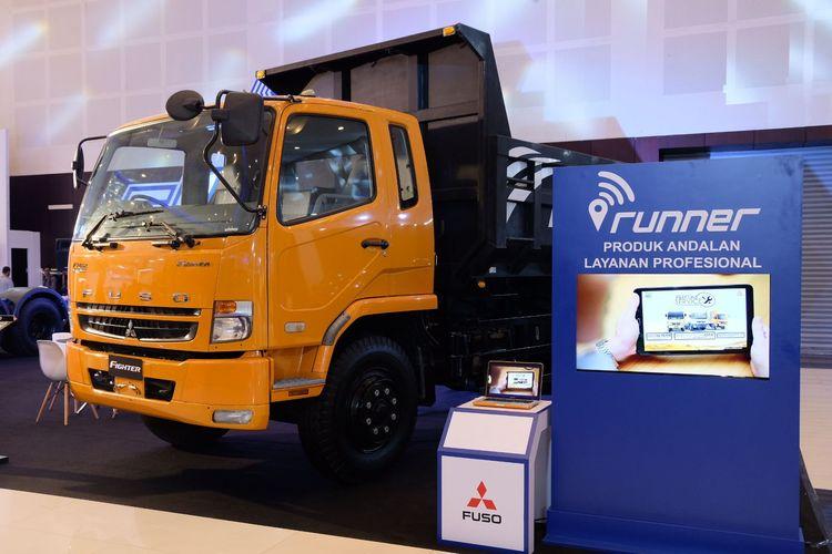 Fuso Fighter jadi bintang di booth pameran di Surabaya