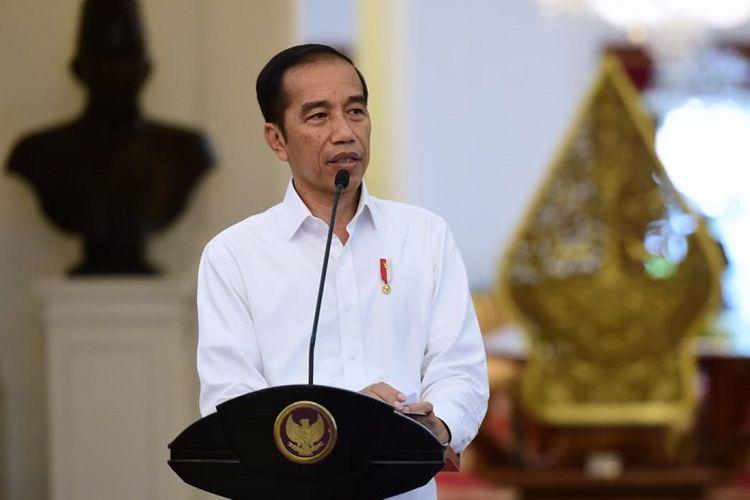 Presiden Joko Widodo saat memberi keterangan pers terkait penanganan Covid-19, di Istana Merdeka, Selasa (24/3/2020).
