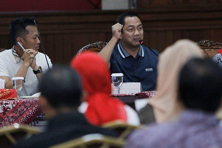 Hendi saat Konferensi Pers Pencegahan Virus Corona  di Balaikota Semarang.