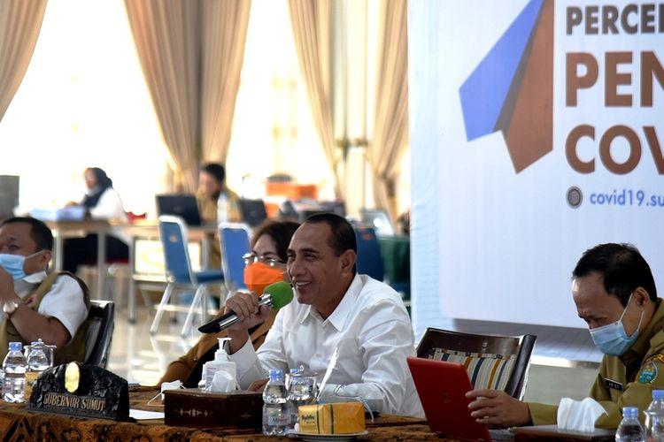 Gubernur Sumut Edy Rahmayadi mengikuti rapat dengar pendapat umum panitia kerja pemulihan pariwisata Komisi X DPR secara virtual di pendopo rumah dinasnya, Senin (29/6/2020)