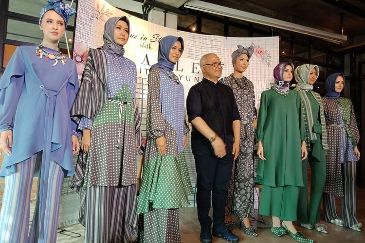 Koleksi ALLEA Itang Yunasz yang dipamerkan dalam acara peluncurannya di Conclave, Jakarta Selatan, Rabu (14/3/2018).
