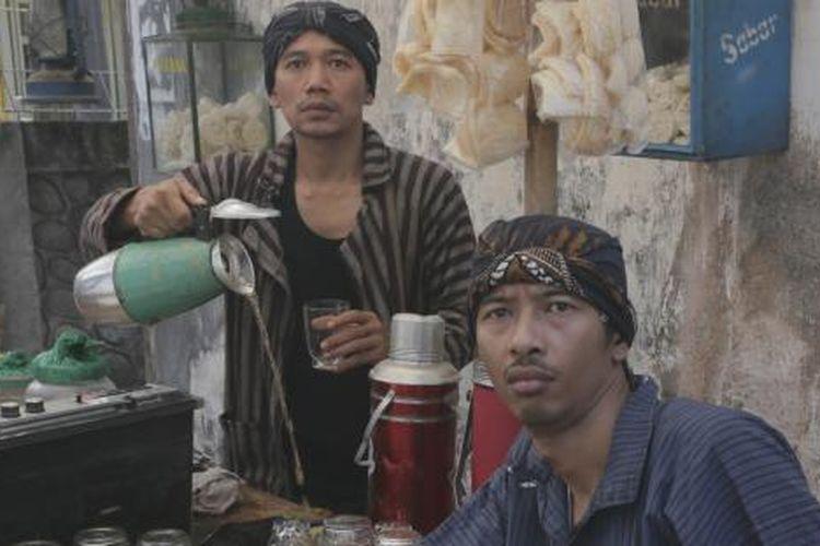 Duo Libertaria, Marzuki Mohammad a.k.a Kill the DJ dan Balance.