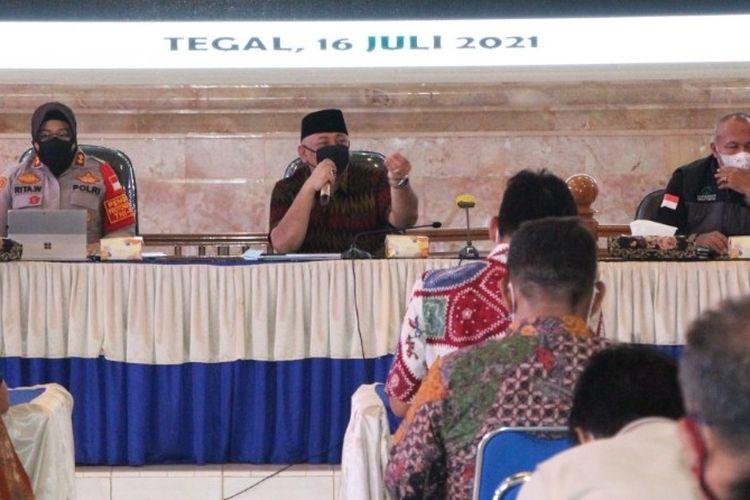 Satgas Penanganan Covid-19 Kota Tegal  menggelar Rapat Evaluasi PPKM Darurat, di Balai Kota Tegal, Jumat (16/7/2021). (Dok. Humas Pemkot Tegal)