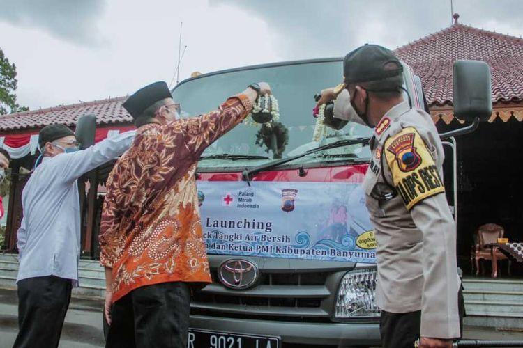 Peluncuran tangki air bersih milik PMI Banyumas di kompleks Pendapa Sipanji Purwokerto, Kabupaten Banyumas, Jawa Tengah, Rabu (2/9/2020).