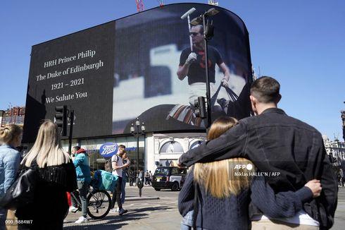 Rakyat Inggris Berbondong-bondong Beri Pangeran Philip Penghormatan