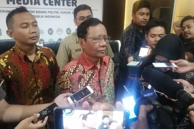 Menteri Koordinator Bidang Politik, Hukum, dan Keamanan (Menko Polhukam) Mahfud MD saat ditemui di kantor Kemenko Polhukam, Jakarta, Selasa (29/10/2019).