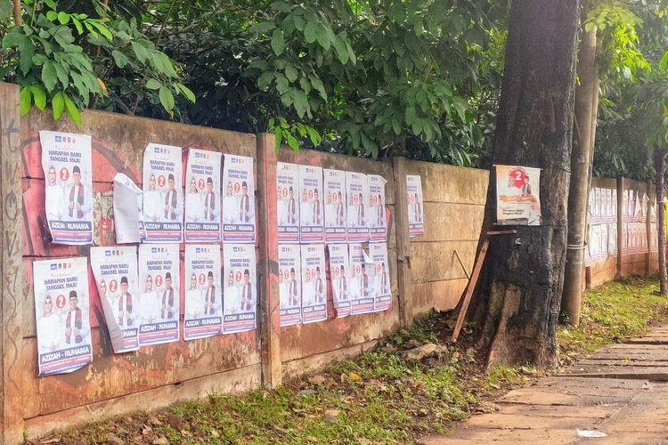 Alat peraga kampanye masih terpasang di sejumlah titik pada hari kedua masa tenang Pilkada Tangerang Selatan 2020, Senin (7/12/2020).