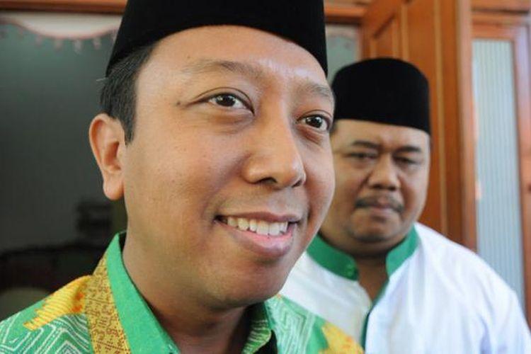Ketum PPP versi Muktamar Surabaya, Romahurmuziy, saat berkunjung ke Kabupaten Pamekasan, Senin (29/6/2015). Romy memastikan bahwa KPU tidak akan menolak pendaftaran calon kepala daerah pada Pilkada serentak 9 Desember 2015 mendatang.