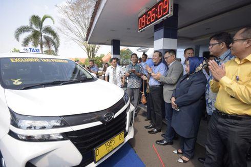 Dongrak Pariwisata, Pemdaprov Jabar Luncurkan 50 Taksi Daring di Bandara Husein