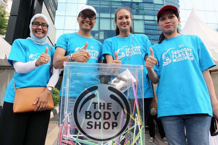 Sedotan plastik yang dikumpulkan dalam aksi Hari Bumi The Body Shop Indonesia