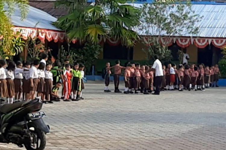 Aktivitas Persekolahan yang mulai normal pasca rusuh di Manokwari