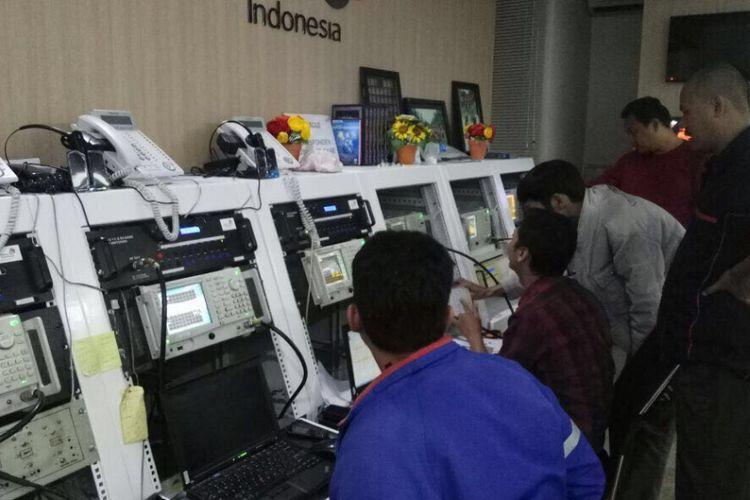 Untuk memperbaiki dampak akibat terganggunya satelit Telkom 1, Telkom mengerahkan seluruh sumber daya operasional TelkomGroup di seluruh Indonesia yang terdiri dari internal Telkom, anak perusahaan dan seluruh mitra terkait.