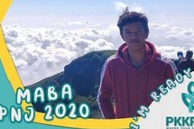 Dzikru Rahman, anak mitra pengemudi Gojek Indonesia terima beasiswa kuliah di Polikteknik Negeri Jakarta (PNJ).