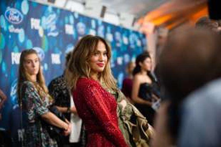 Aktris dan penyanyi Jennifer Lopez menghadiri acara Meet Fox's: American Idol XV Finalist di The London Hotel, West Hollywood, California, Kamis (25/2/2016). Lopez merupakan salah satu juri American Idol.