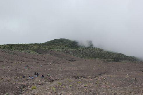 Kronologi Pendaki Jatuh ke Dinding Kawah Gunung Marapi, Diduga Kelelahan