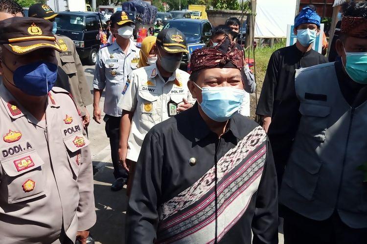 Wali Kota Bandung Oded M Danial meninjau sejumlah pos pengamanan dan pengetatan larangan mudik di beberapa pintu Tol di Kota Bandung, Kamis (6/5/2021).