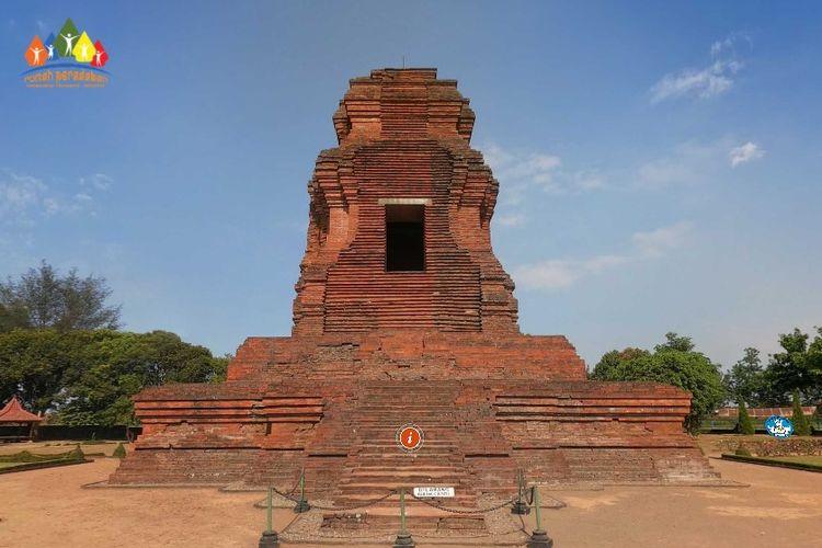 Tangkapan layar Tur Virtual Situs Arkeologi Indonesia Kementerian Pendidikan dan Kebudayaan. Situs Trowulan bisa dijelajahi secara virtual.