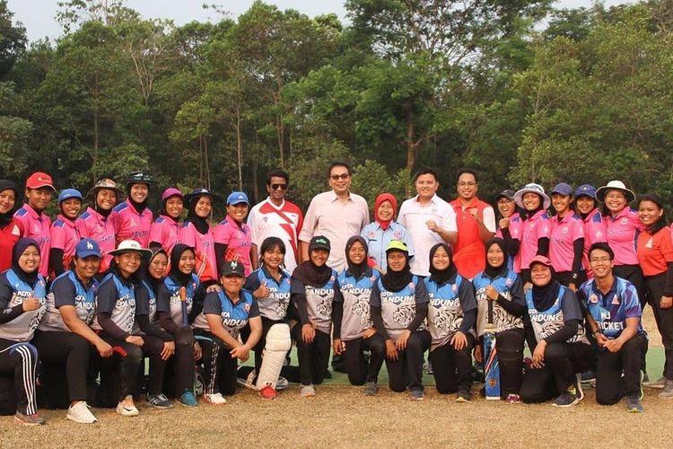 Pengurus Pusat Persatuan Cricket Indonesia (PP PCI) menerima penghargaan atas partisipasi dalam pengembangan program olahraga cricket perempuan terbaik di wilayah Asia Pasifik.