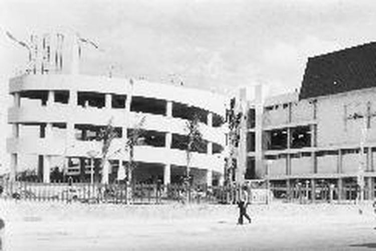 Pasar Senen diabadikan pada tahun 1976