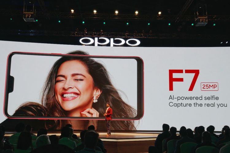 Peluncuran Oppo F7 di Mumbai, India, Senin (26/3/2018).