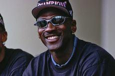 Oakley Perbarui Kacamata Klasik yang Dipakai Michael Jordan