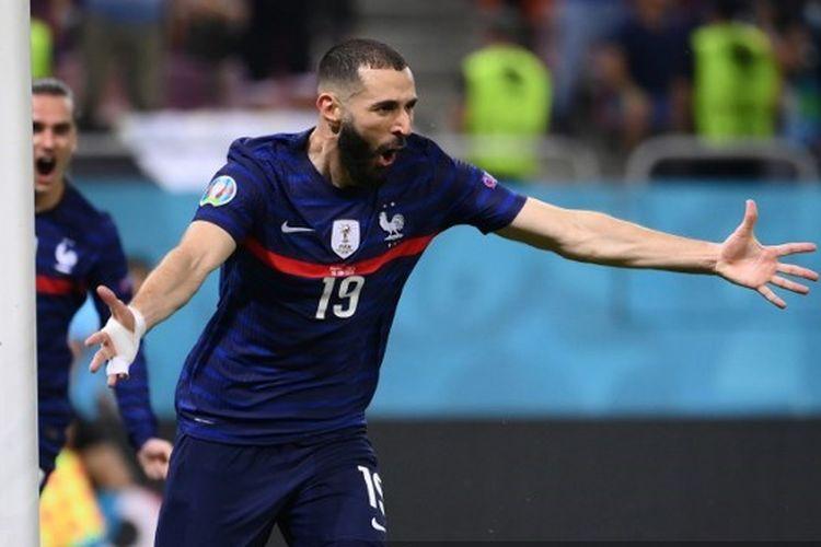 Karim Benzema mencetak gol dalam laga Perancis vs Swiss di 16 besar Euro 2020.