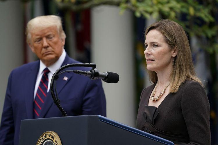 Hakim Amy Coney Barrett berbicara setelah Presiden Donald Trump mengumumkan Barrett sebagai calonnya di Mahkamah Agung, di Rose Garden di Gedung Putih, Sabtu, 26 September 2020, di Washington.